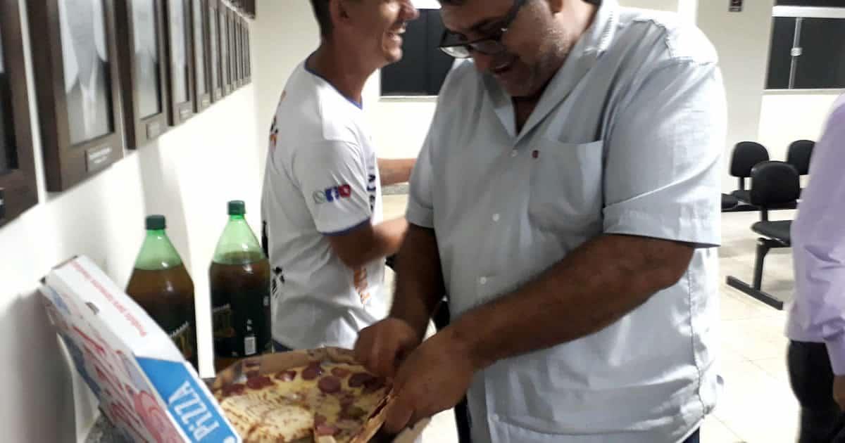 votacao de denuncia acaba em pizza 2