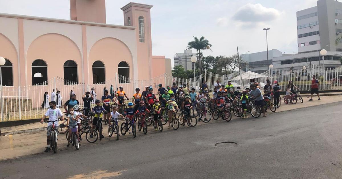 13 10 20 passeio ciclistico em joao pinheiro dia das criancas 4
