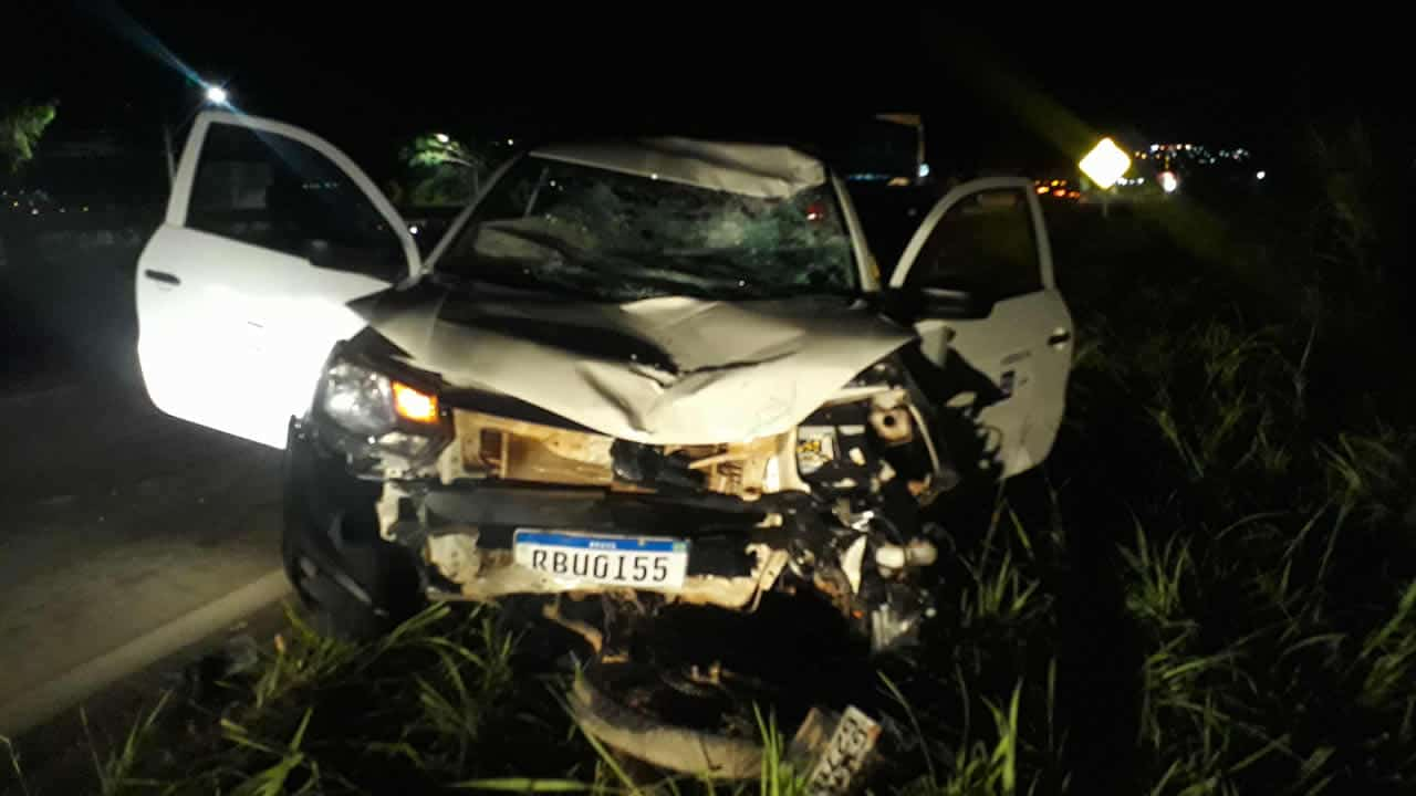 Foto do veículo Volkswagen Saveiro que se envolveu em acidente com motoboy na noite do dia 31 de março de 2021