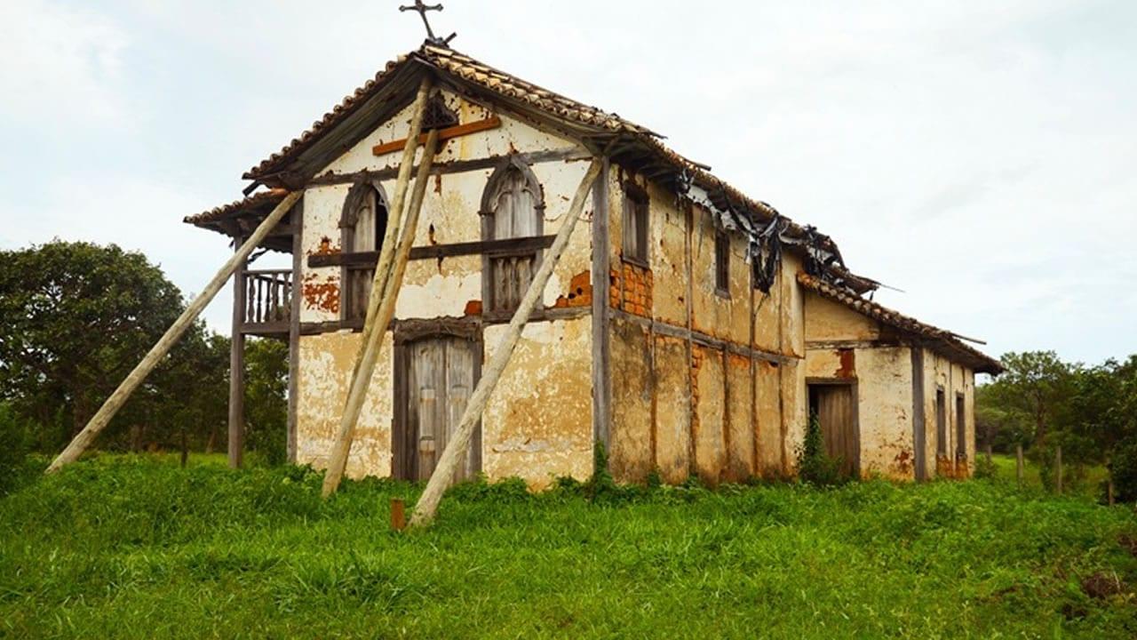 06 04 21 fogo em igreja historica de paracatu 3
