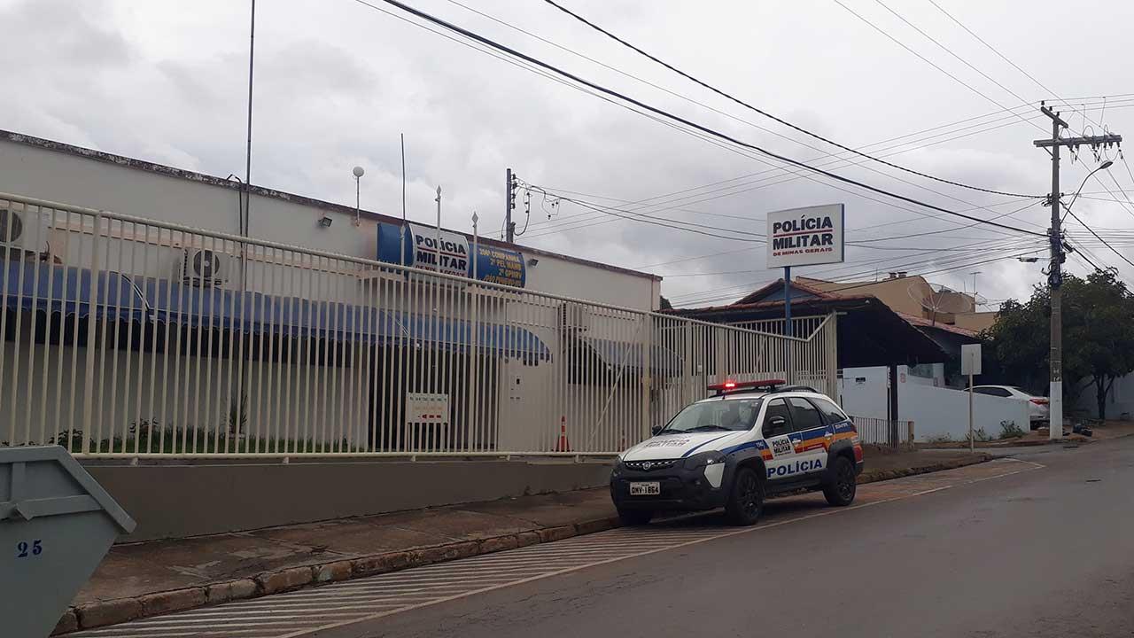 Fachada do quartel de João Pinheiro