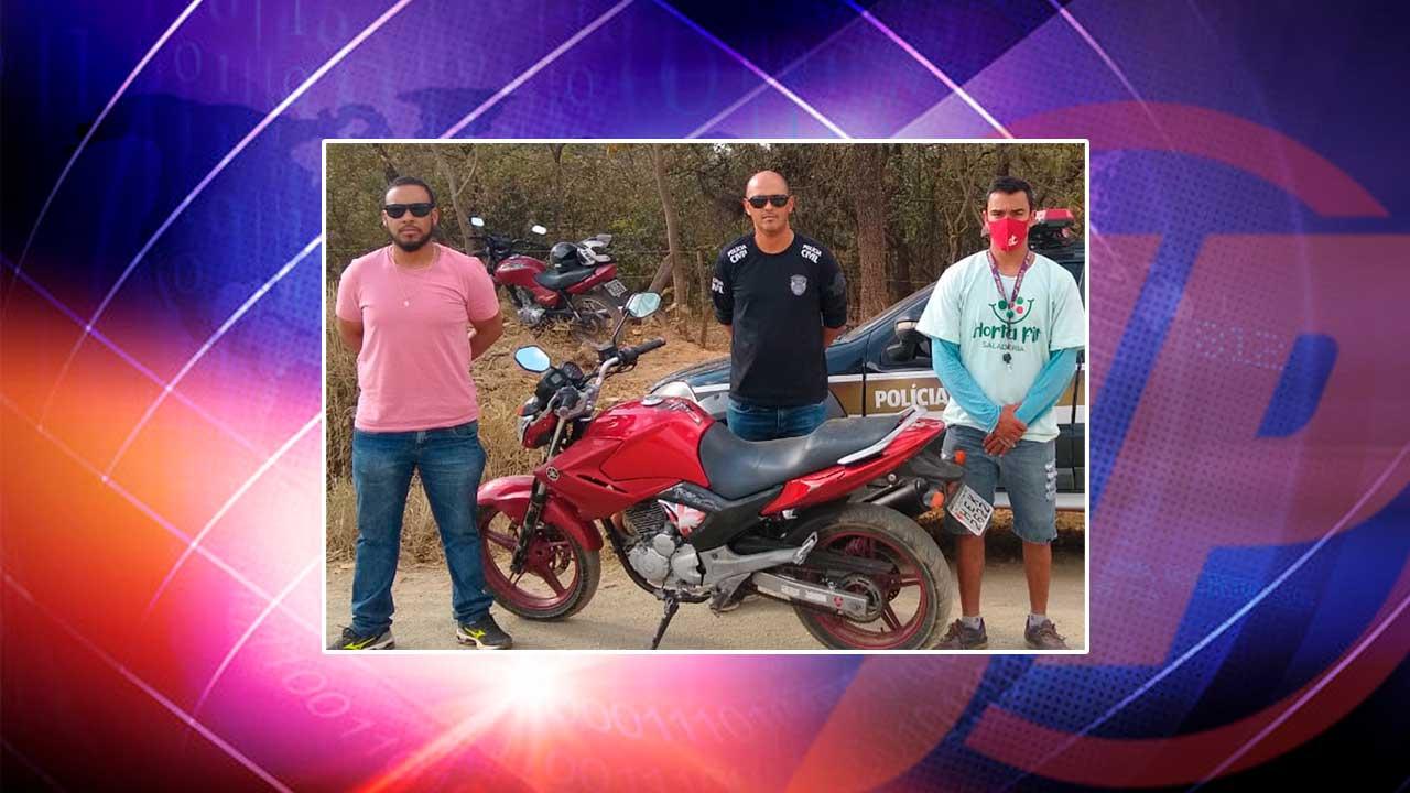 Motocicleta recuperada por policiais civis e vítima