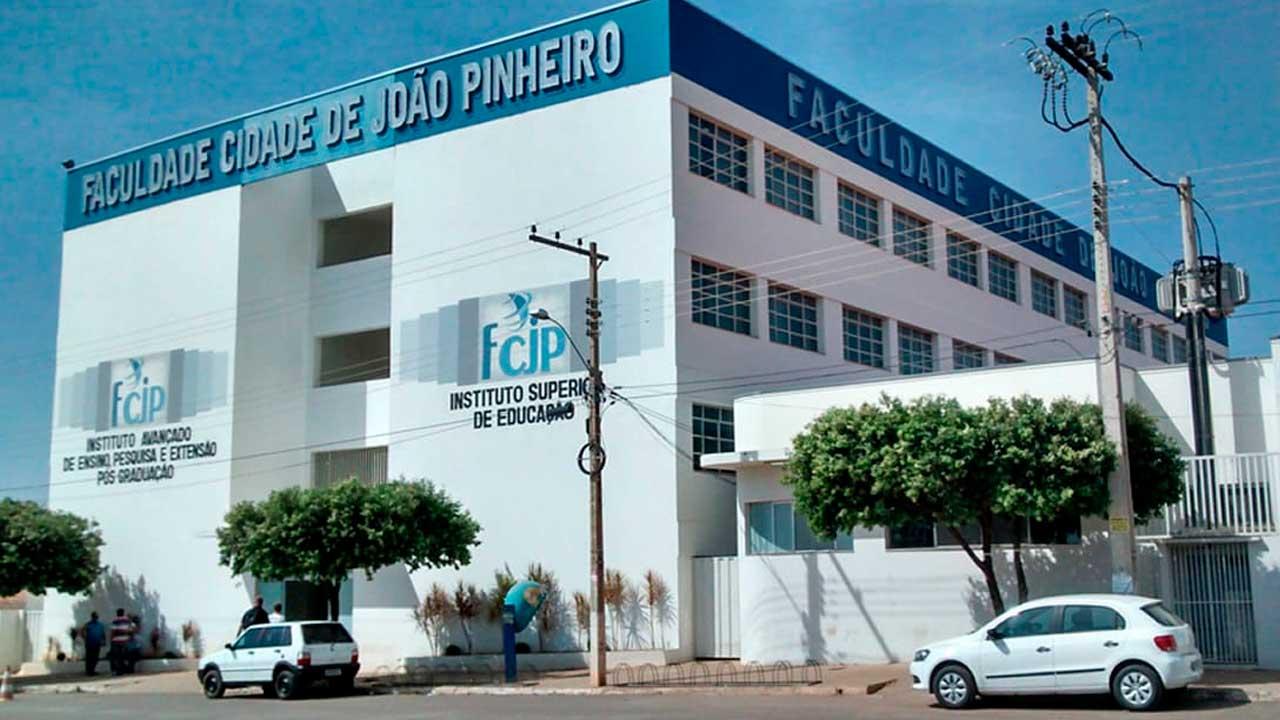 Fachada da Faculdade Cidade de João Pinheiro