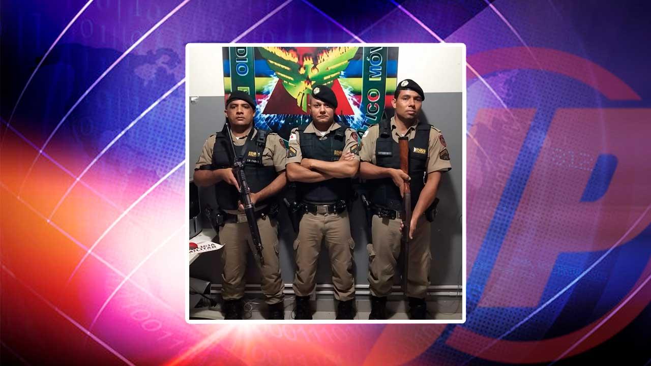 Equipe policial que efetuou a prisão do suspeito