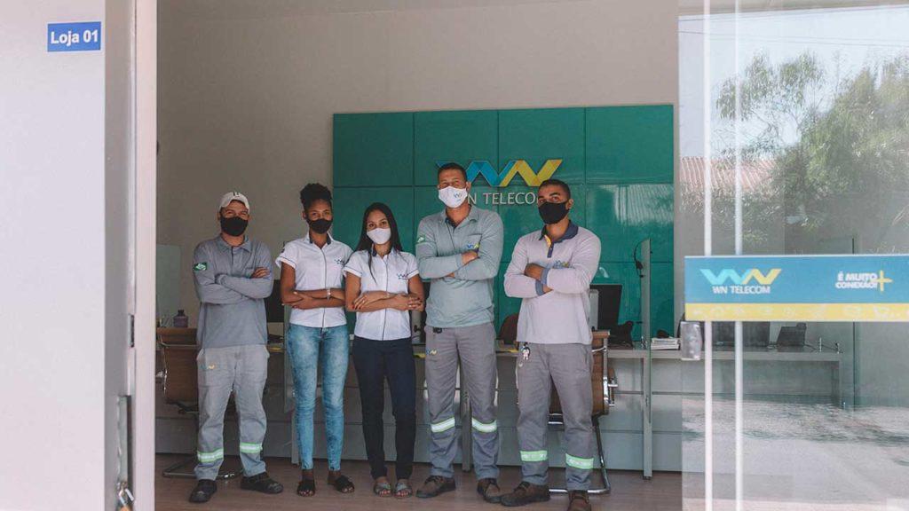 Equipe completa, técnicos e atendentes da WN Telecom em João Pinheiro