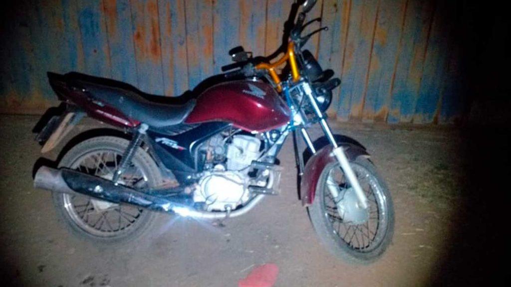 Motocicleta recuperada pela Polícia Militar