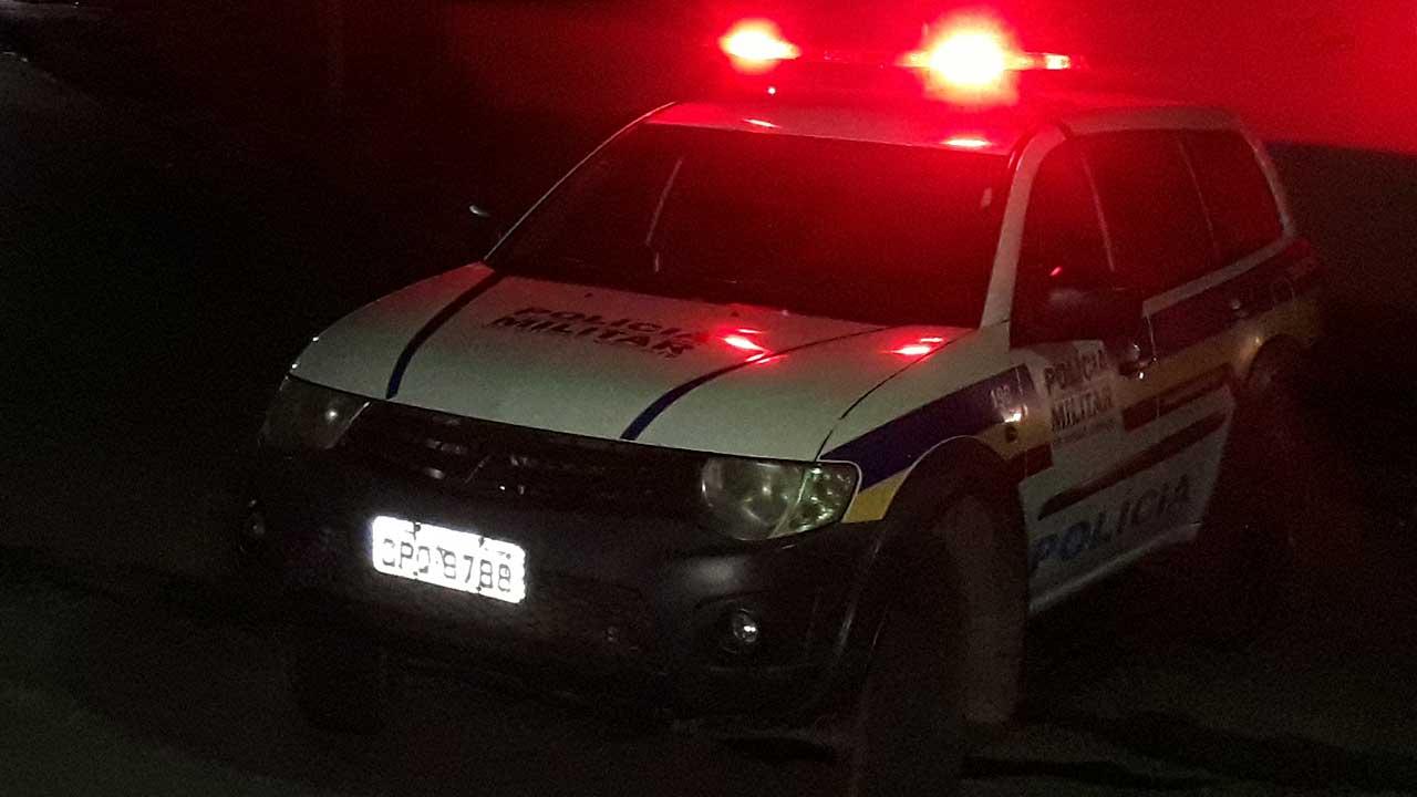 Criminosos armados invadem mais uma residência e roubam casal em João Pinheiro