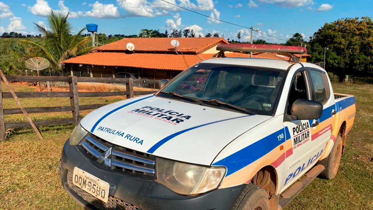 Bandidos fazem janta antes de fugirem de fazenda tomada de assalto em Brasilândia de Minas