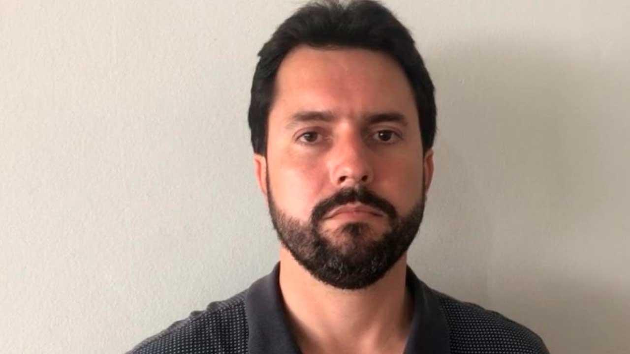 Prefeito de Patos de Minas suspende vacinação de detentos contra a Covid-19 depois de mobilização popular