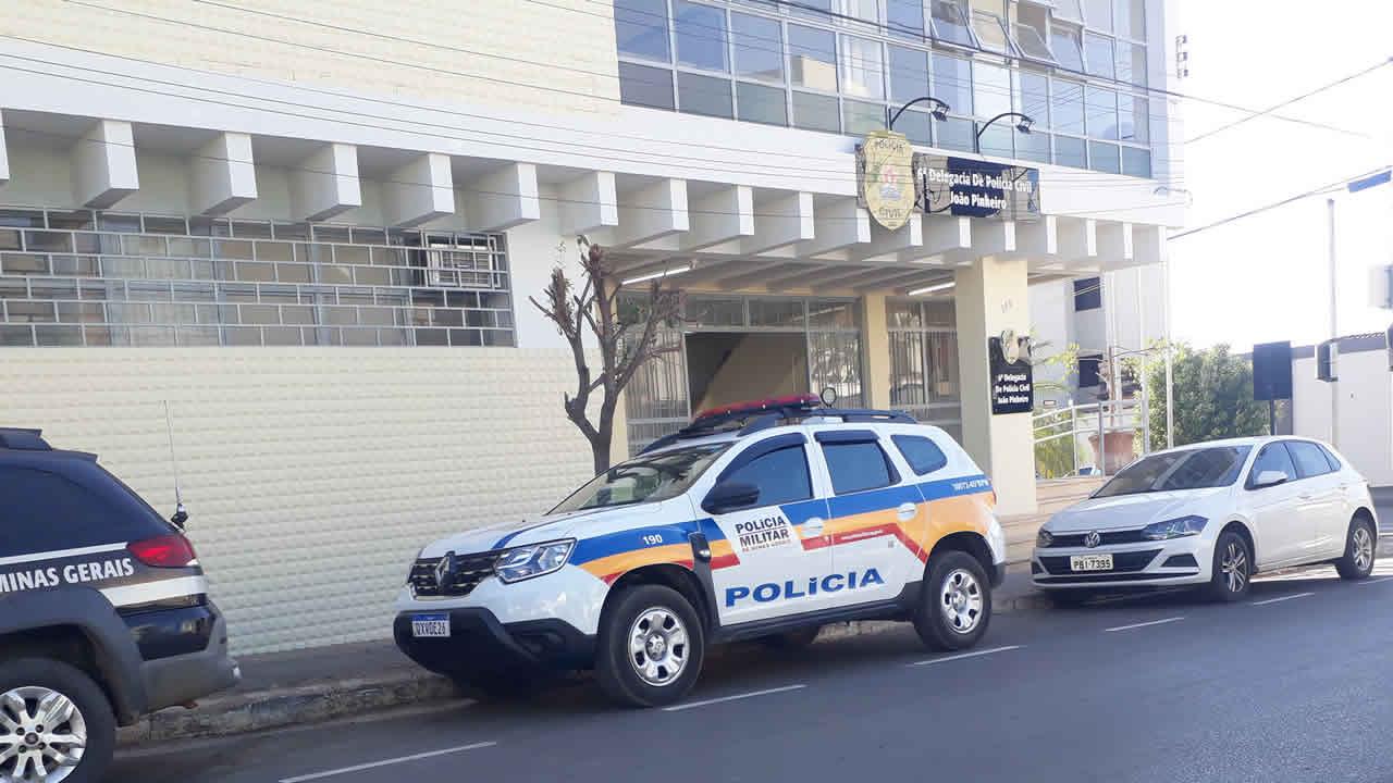 Mulher condenada por associação para o tráfico é presa para começar a cumprir sua pena em João Pinheiro