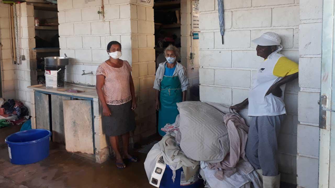 Lavanderia Municipal está sem energia e trabalhadoras pedem ajuda para solucionar problema em João Pinheiro
