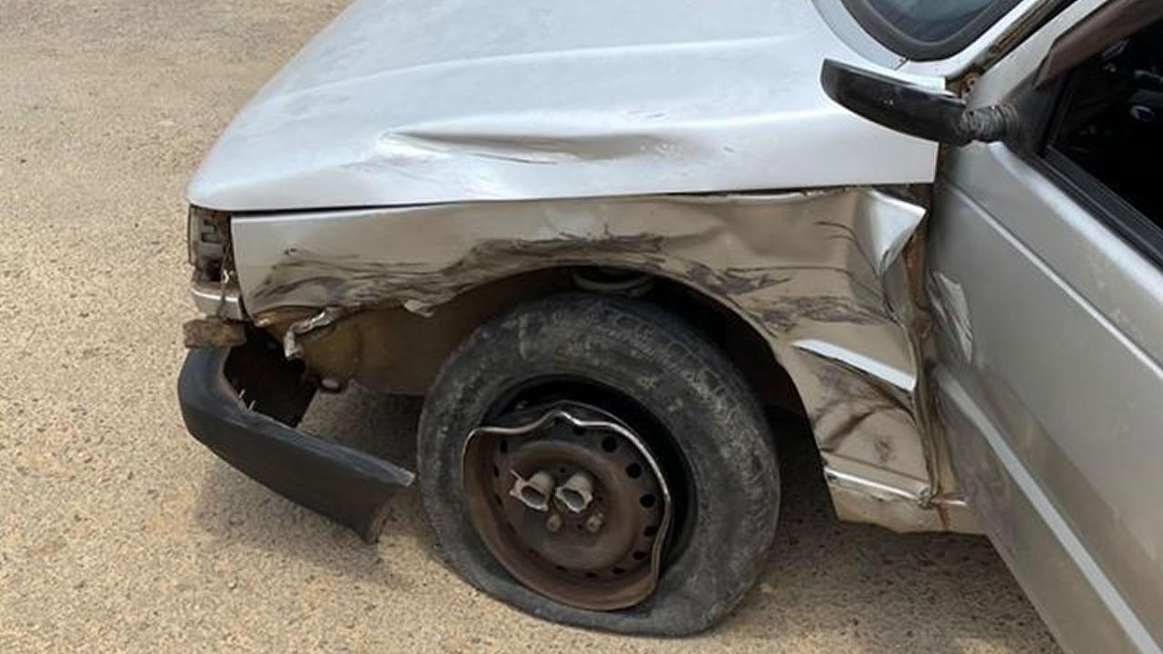 Mulher grávida sem habilitação se envolve em acidente em João Pinheiro e é resgatada pelo Corpo de Bombeiros